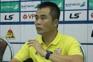 HLV CLB Hà Tĩnh đánh giá Quảng Nam là 'đội bóng một người'