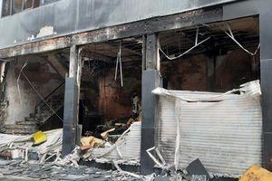 Giải cứu bảy người khỏi một đám cháy