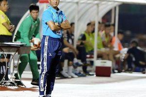 HLV Lê Huỳnh Đức bênh vực Hà Đức Chinh, hứa giúp học trò sớm tỏa sáng