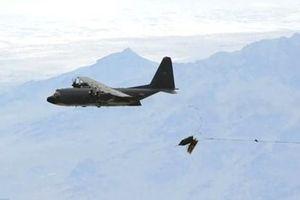 Mỹ thử nghiệm phương thức ném bom mới với máy bay vận tải