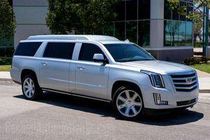 Rao bán Cadillac Escalade ESV của sao bóng bầu dục Tom Brady