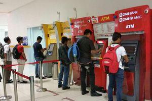 Covid-19: Malaysia gỡ bỏ giới hạn khung giờ mở cửa hệ thống ATM