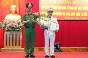 Phó Tư lệnh Bộ Tư lệnh Cảnh vệ nhận nhiệm vụ mới