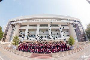 Đại học Quốc gia TP Hồ Chí Minh - 25 năm xây dựng và phát triển