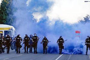 Nước Mỹ sục sôi, bạo động leo thang khắp nơi