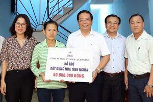 Hỗ trợ người nghèo xây nhà