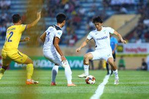 BLV Quang Huy: V-League chưa hẳn có lợi khi thay 5 người mỗi trận