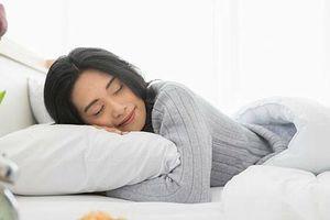 5 điều cấm kỵ không nên làm khi đi ngủ vào mùa hè