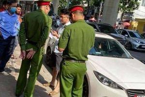 Khởi tố, bắt giam tài xế Mazda bỏ chạy, hất chiến sỹ công an lên nắp capô