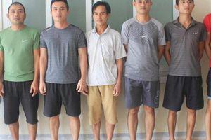 Bắt 21 đối tượng ở Hà Tĩnh đang say sưa đá gà ăn tiền