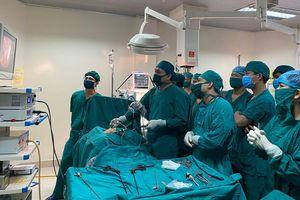 Hà Tĩnh: Phẫu thuật thành công cho bệnh nhi phình đại tràng bẩm sinh