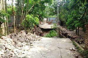 Khoan giếng ngầm gây sụt lún nghiêm trọng tại huyện Ứng Hòa
