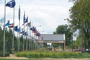 Nổ súng tại căn cứ không quân, hai phi công Mỹ thiệt mạng