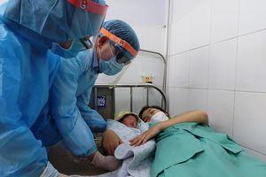 Sản phụ từ Đài Loan về đang cách ly trở dạ sinh bé gái 3kg