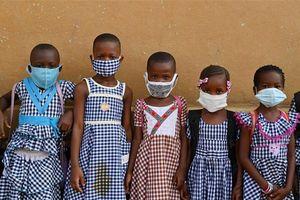 Diễn biến COVID-19 tới 6 giờ sáng 2/6: Thế giới trên 376.800 ca tử vong, nhiều 'điểm nóng' bắt đầu mở cửa lại