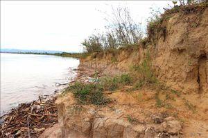 Hà Nội khẩn trương khắc phục sự cố sạt lở bờ sông