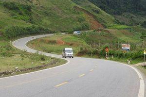 Rùng mình những khúc cua, đèo dốc trên QL6 qua Sơn La
