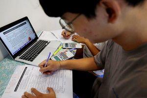 Thầy giáo làm hộ học sinh bài khảo sát trực tuyến: Sở GD&ĐT Hà Nội nói gì?