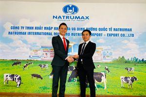 GĐ công ty du lịch gây sốt khi ký hợp đồng mua gần 5 tỷ tiền sữa tặng kèm cho khách mua tour du lịch nội địa