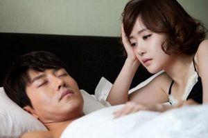 5 dấu hiệu cho đàn ông phản bội vợ, giỏi 'chùi mép' đến đâu cũng không thoát