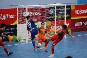 'Hủy diệt' đối thủ, Quảng Nam vươn lên ngôi nhì