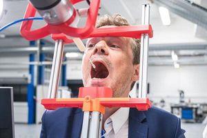 Đan Mạch phát triển robot lấy mẫu xét nghiệm COVID-19 tự động