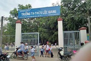 Long An: Phạt hành chính 2,5 triệu đồng phụ huynh đánh cô giáo bằng mũ bảo hiểm