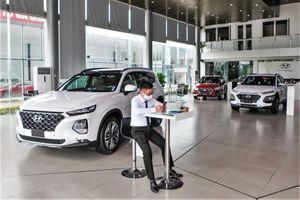 Thị trường ôtô lắng xuống chờ giảm phí trước bạ cho xe lắp ráp