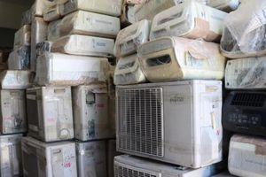 Cao điểm nắng nóng, liên tiếp bắt giữ các lô hàng điện lạnh cũ nhập lậu