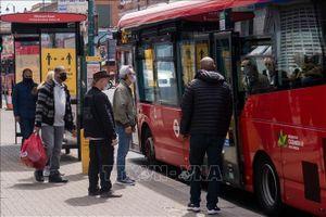 Đan Mạch, Anh bắt buộc đeo khẩu trang trên phương tiện giao thông công cộng