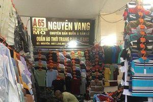 'Tấn công' khu Ninh Hiệp, thu giữ hàng nghìn sản phẩm nghi giả nhãn hiệu nổi tiếng