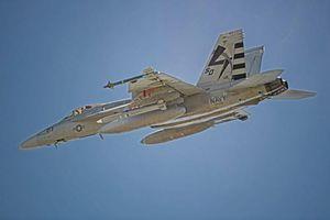 Tiêm kích Super Hornet lần đầu mang tên lửa AARGM-ER