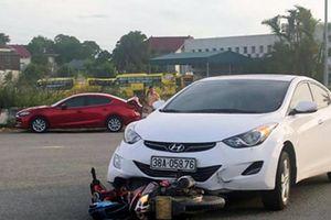 Trên đường chở cháu đi học, ông tử vong, 2 cháu bị thương