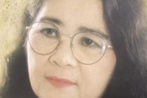 Nữ nhạc sĩ nổi tiếng nhất Việt Nam trò chuyện với bóng mình