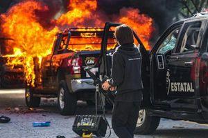 Đụng độ dữ dội giữa cảnh sát và người biểu tình tại Mexico