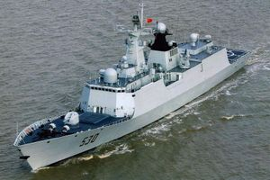 Soi khu trục hạm Trung Quốc vừa nã đạn trên biển Hoàng Hải