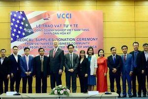 Cộng đồng doanh nghiệp và các cá nhân Việt Nam tặng nhân dân Hoa Kỳ hơn 1,5 triệu khẩu trang
