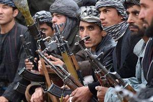Mỹ tấn công lực lượng Taliban sau thỏa thuận ngừng bắn