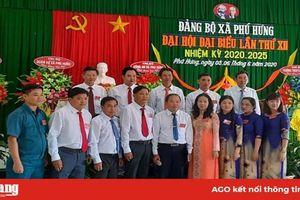 Đại hội đại biểu Đảng bộ xã Phú Hưng lần thứ XII (nhiệm kỳ 2020-2025) diễn ra thành công