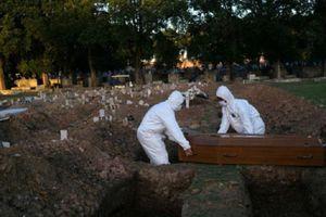 Thêm một ngày tang thương, Brazil vượt Italy về số người chết vì COVID-19