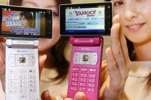 Hoài niệm thời điện thoại nắp gập Nhật Bản đi trước iPhone