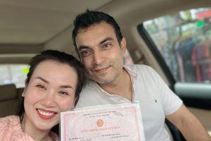 Võ Hạ Trâm đăng ký kết hôn sau gần 2 năm cưới