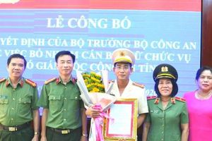 Nữ thiếu tướng ở miền Tây trao quyết định bổ nhiệm lãnh đạo Công an Kiên Giang