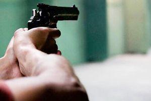 Trung úy cảnh sát mang súng đi nhậu, bắn người bị thương ở Bình Dương