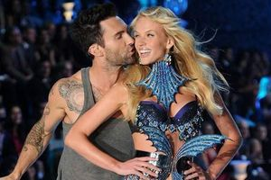 Tình sử yêu toàn chân dài của thủ lĩnh Maroon 5