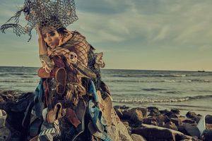 Thời trang cao cấp 'độc lạ' từ rác thải