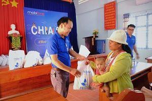 MobiFone Khánh Hòa tặng 200 suất quà cho người dân xã Diên Tân