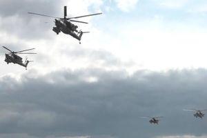 Máy bay của không quân Nga bay rợp trời để tập duyệt binh