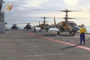 Tàu sân bay Mistral của Ai Cập mang đầy trực thăng tấn công hiện đại tới Libya tham chiến