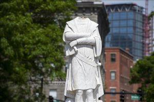 Thị trưởng Boston lên án việc đập phá tượng Christopher Columbus